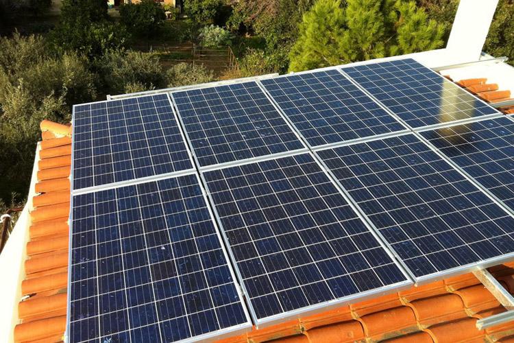 Εγκατάσταση φωτοβολταϊκών σε στέγη, περιοχή Ωρωπός