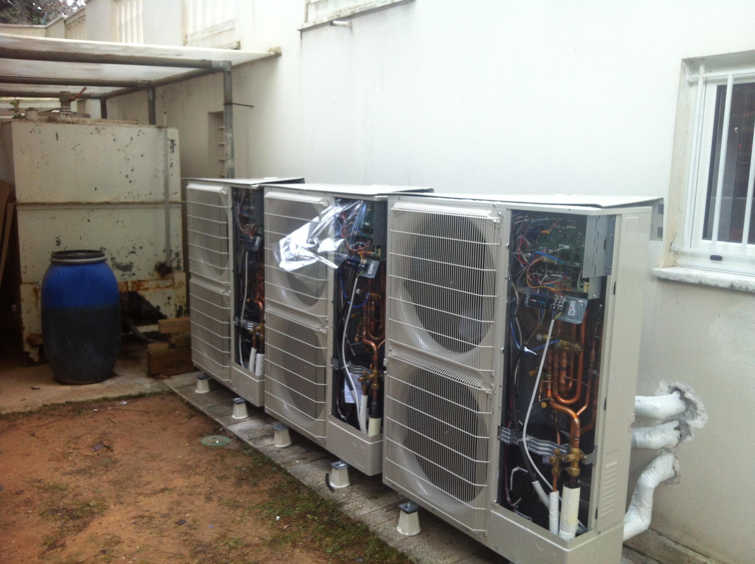 Τρείς Αντλίες Θερμότητος των  25 kW η κάθε μια σε κατοικία 700μ2 στην Εκάλη αρχή συνδέσεων-2