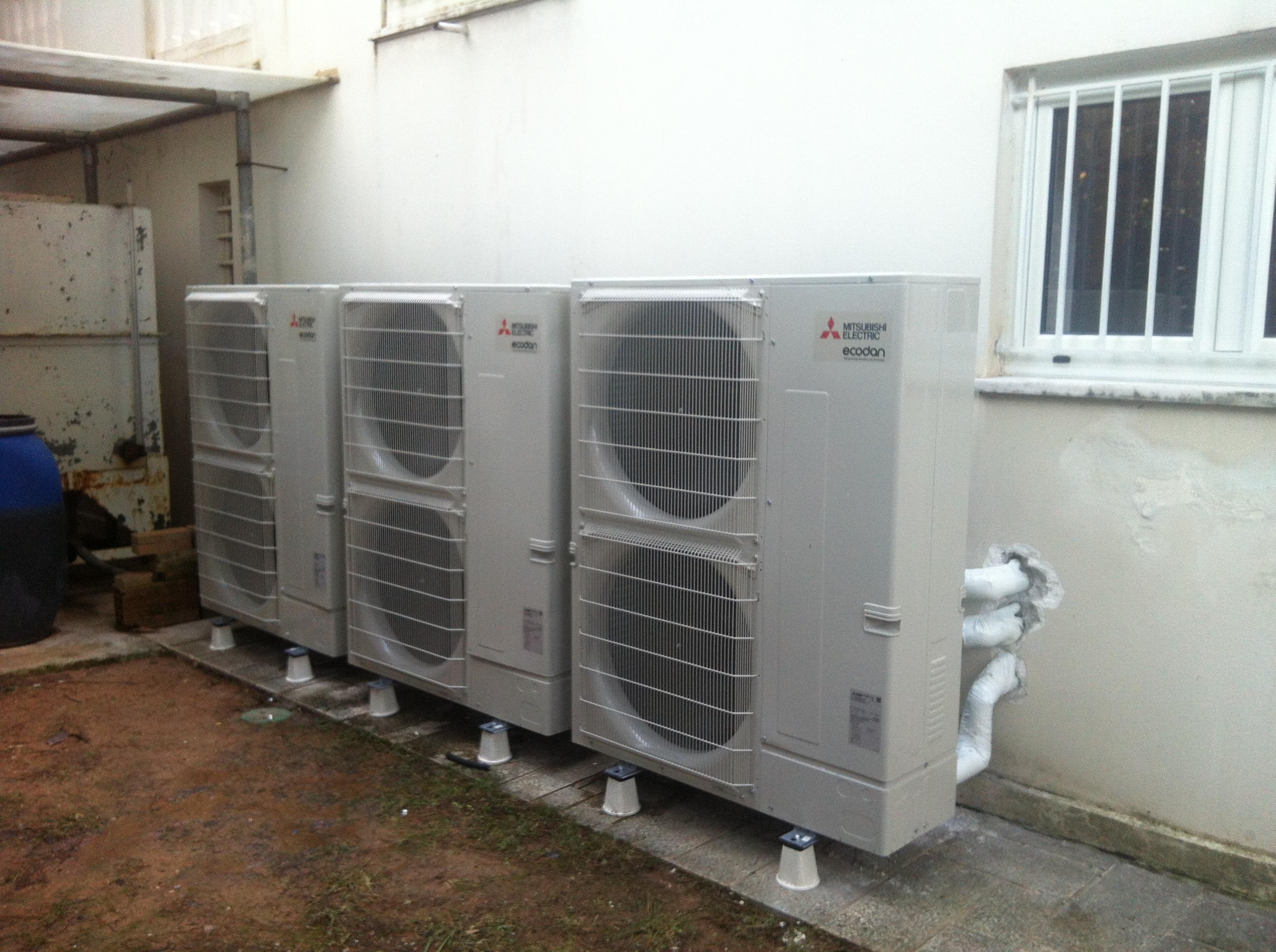 Τρείς Αντλίες Θερμότητος των  25 kW η κάθε μια σε κατοικία 700μ2 στην Εκάλη έτοιμες προς λειτυργία-2