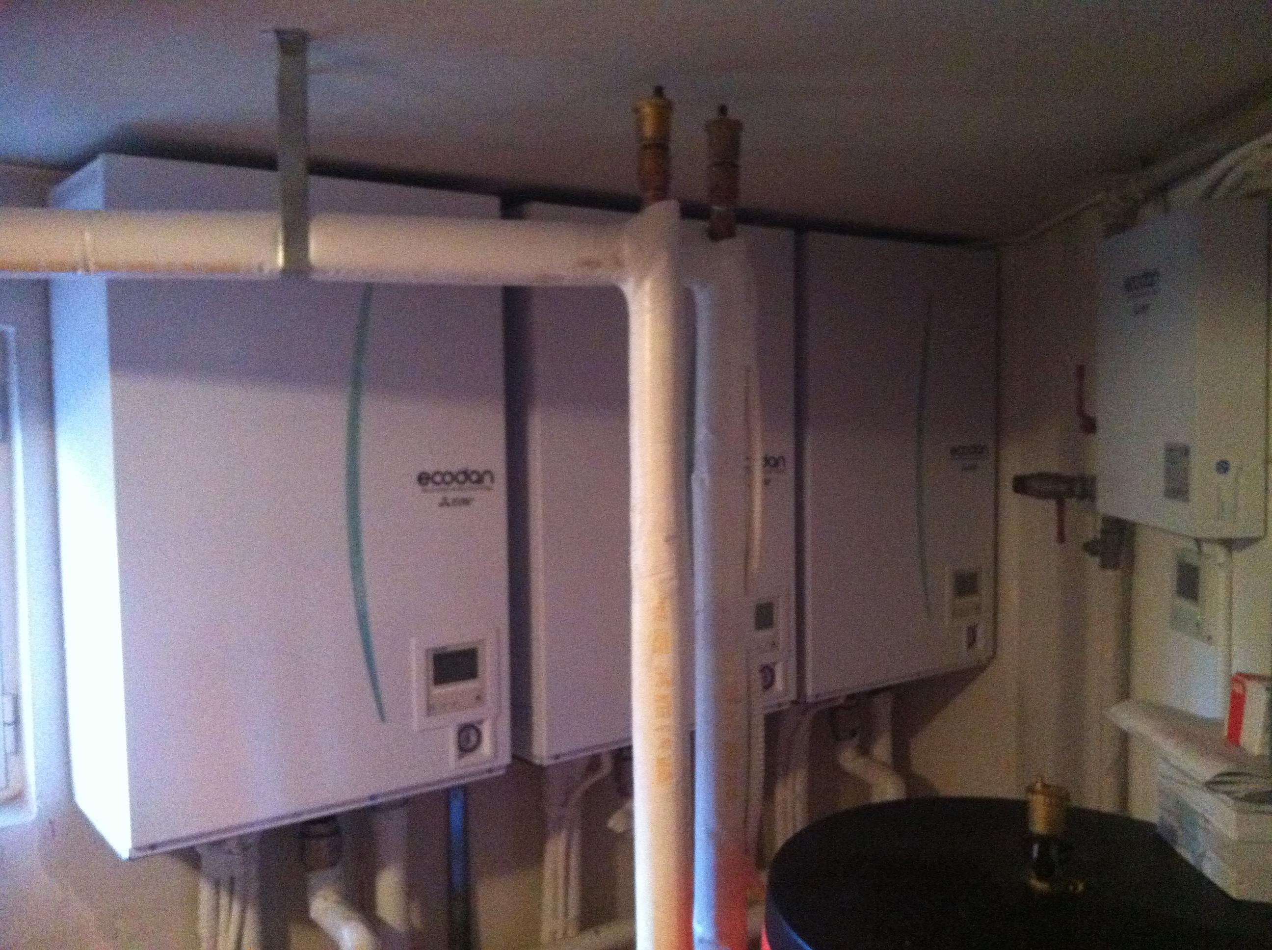 Τρείς Αντλίες Θερμότητος των  25 kW η κάθε μια σε κατοικία 700μ2 στην Εκάλη έτοιμες προς λειτυργία-1