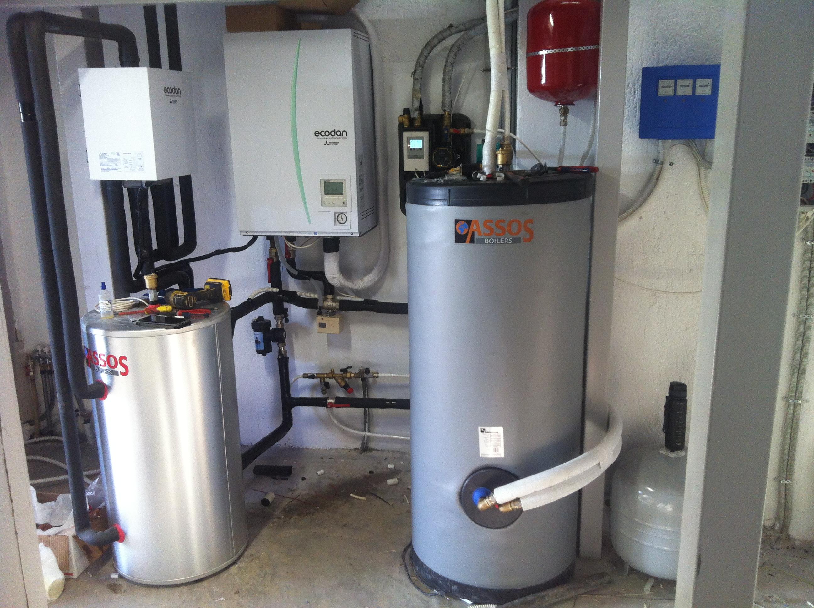 Υβριδικό σύστημα με Ηλιοθερμία για τα ΖΝΧ & Α/Θ για θέρμανση & ΖΝΧ σε κατοικία στην Ραφήνα